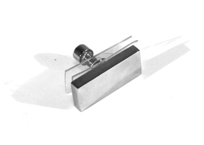 Крепление трубы прямоугольной 10 х 30 мм к стеклу